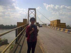 nampang di Jembatan Barito. panas euy
